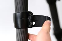 脚の伸縮が簡単・確実な「レバー式脚ロック」