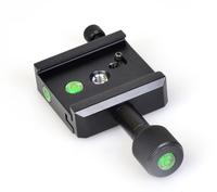 水準器を3カ所に装備。縦位置時など、設置の方法にかかわらず使用可能。