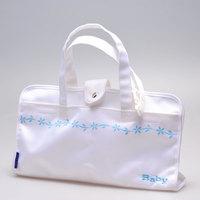 三脚と小物を一緒に収納できるおしゃれなバッグが付属
