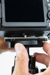 カメラの取付がしやすいカメラ台装備