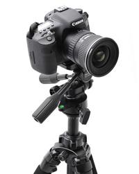 歪みのない水平パン撮影ができる動画撮影の必需品「レベリングユニット」を搭載